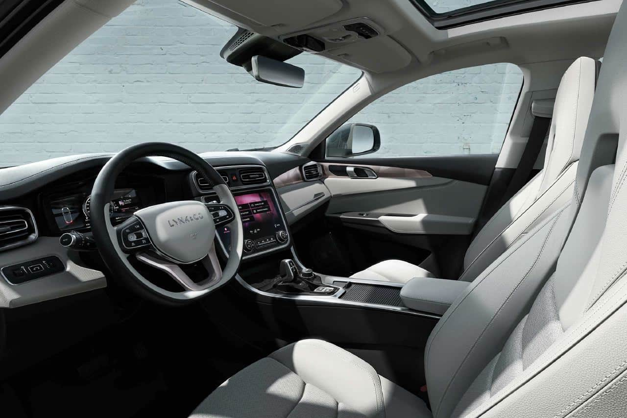 lynk co 01 suv mixes one part porsche with two parts tesla. Black Bedroom Furniture Sets. Home Design Ideas