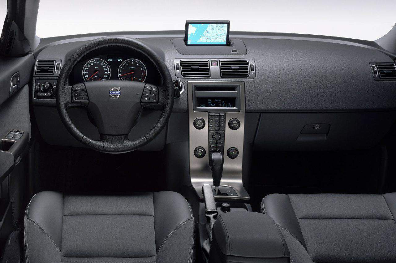 Volvo V50 – A Look Back at the Earlier Volvo Compact Car Line