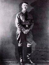 Cizmele lui Hitler