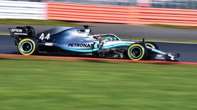 Η Formula1 στη Σαγκάη της Κίνας γιόρτασε το χιλιοστό της Gran Prix (=μεγάλο βραβείο) και σκόρπισε χαρά, αλλά και συγκίνηση σε όλους τους φίλους του μηχανοκίνητου αθλητισμού. Από το 1950 έως και σήμερα οι καλύτερες ομάδες αγωνίζονται με τους πιο ταλαντούχους οδηγούς του πλανήτη, με σκοπό τη νίκη και την καταξίωση. Και... επειδή η Formula1 είναι πρωτίστως ομαδικό σπορ, ξεκινάμε την ιστορική μας αναδρομή από τις πιο καταξιωμένες ομάδες στο χώρο.