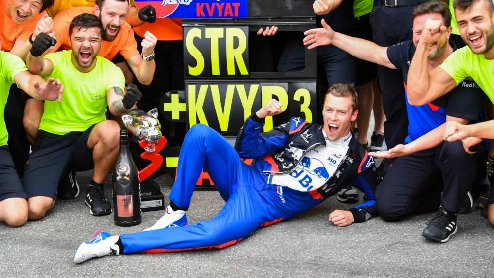 Kvyat celebrando el podio en Alemania