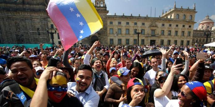 Venezolanos en Colombia - Formula Medica