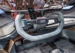 Audi: per il futuro sceglie Alcantara