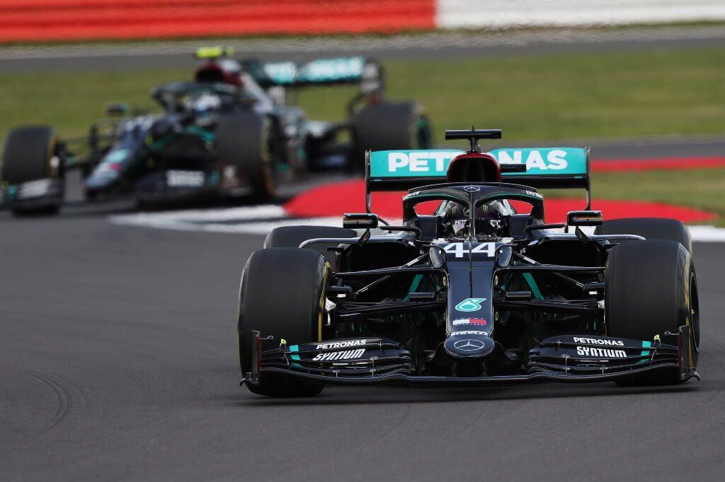 Lewis Hamilton gana el GP de Gran Bretaña con un neumático pinchado