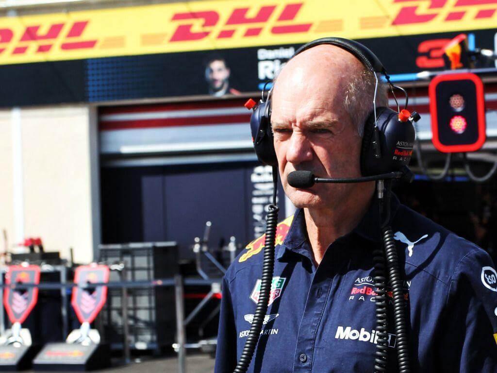 Helmut Marko descarta los rumores sobre la salida de Newey del equipo austriaco
