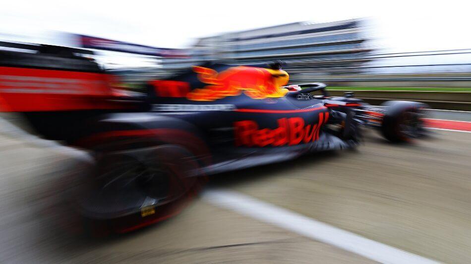 Este miércoles Max Verstappen y Sergio Pérez probarán el nuevo RB16B en Silverstone