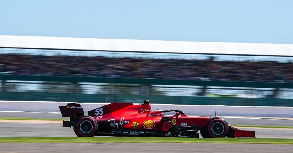 """Carlos Sainz indignado por la maniobra de Russell: """"Queda muy claro que perdió el coche"""""""