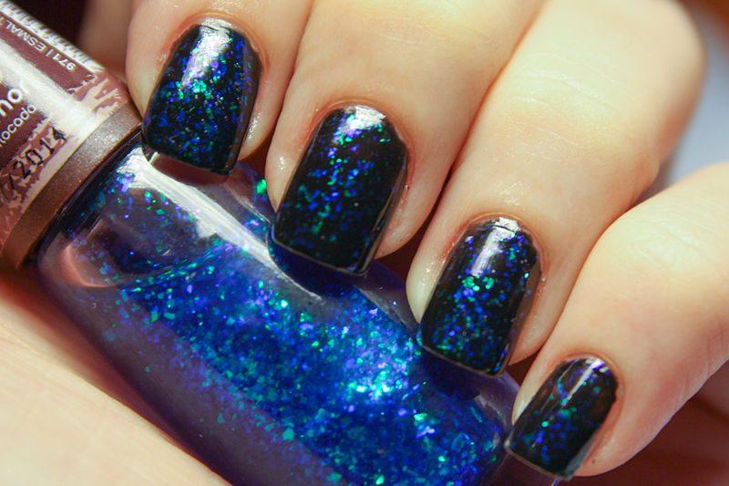 Smalto glitter blu