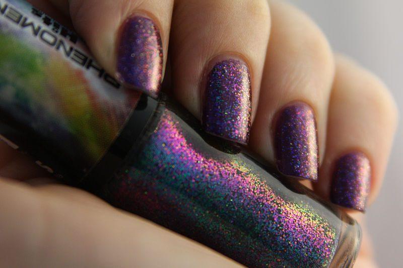 Smalto glitterato viola