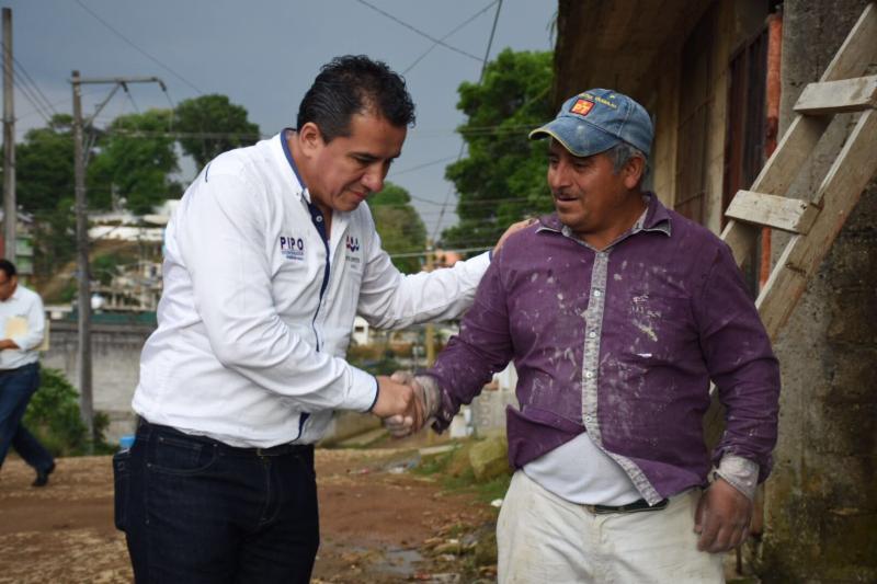 Hartazgo y enojo de colonos de Xalapa encuentra oídos en «Pipo» Vázquez