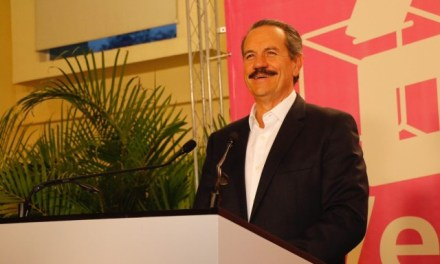 Reta Juan Bueno Torio a partidos políticos a renunciar a financiamiento público