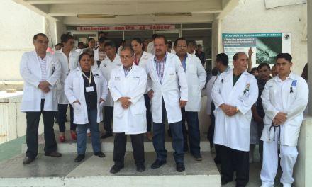 Se manifiestan médicos del Hospital Civil, apoyan movimiento #YoSoy17