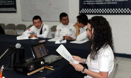 Imparten clases de Inglés a policías estatales