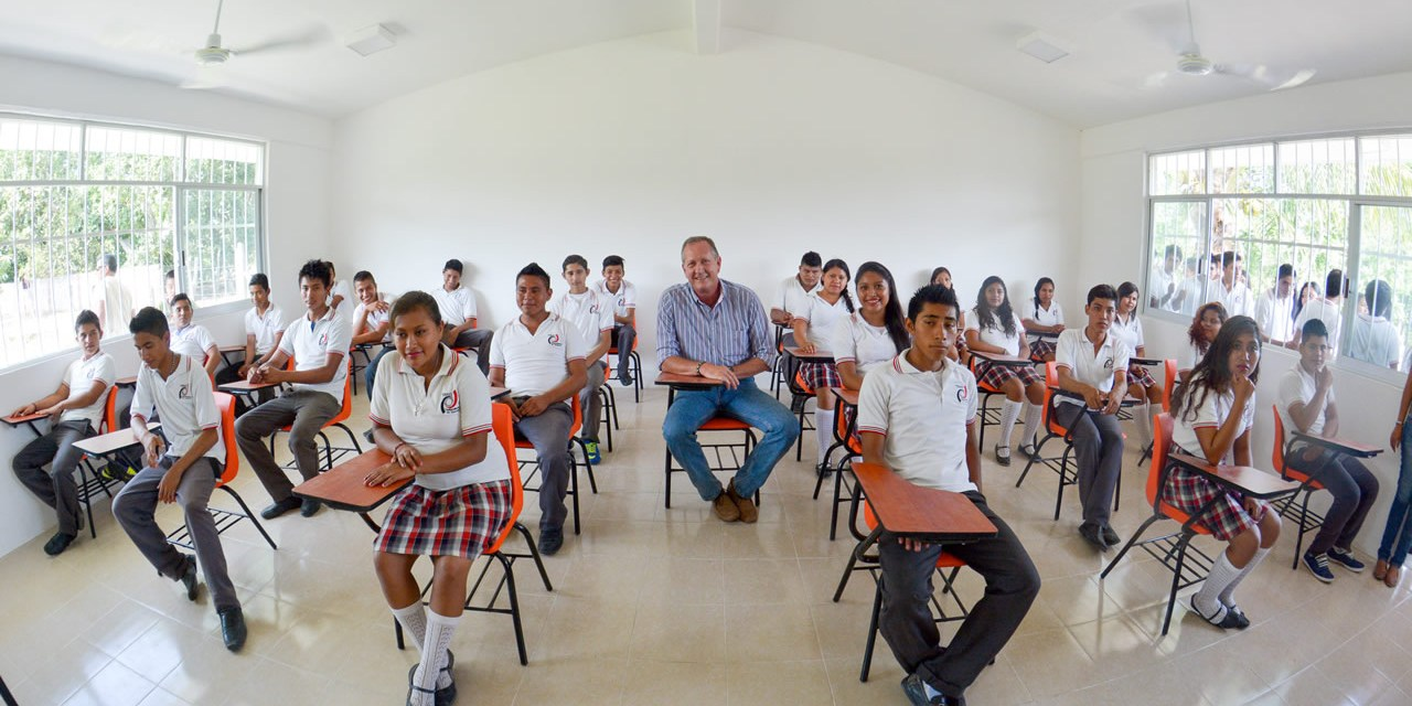 En Tuxpan, se fortalece la estructura educativa