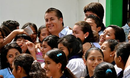 Entrega ASR computadoras a la Escuela Secundaria Manuel C. Tello