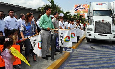 Envía gobierno y DIF de Tuxpan 30 toneladas de víveres a damnificados de Tabasco