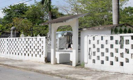 Ayuntamiento de Tuxpan Rehabilita Panteones
