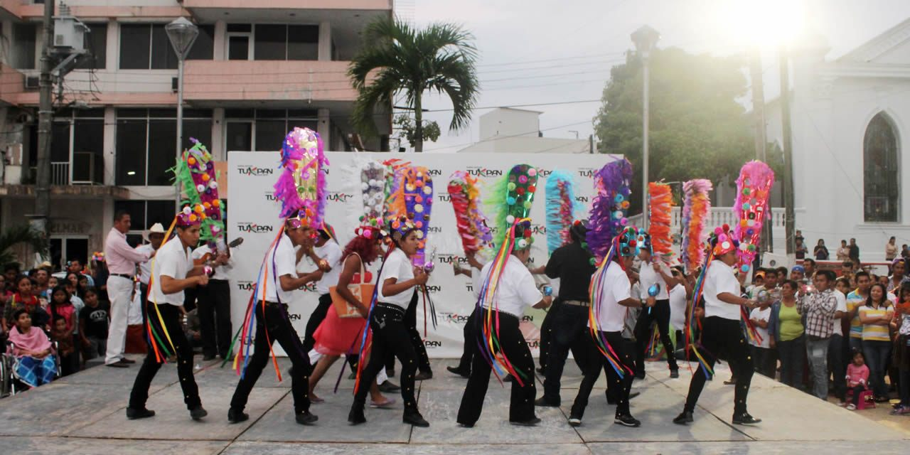 Ayuntamiento de Tuxpan Promueve las Tradiciones