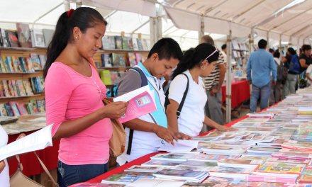 """Ayuntamiento de Tuxpan Anuncia Caravana """"Libros a la Calle"""""""
