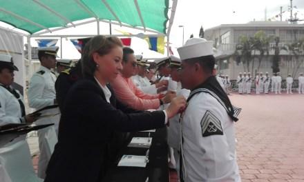 Celebran Día de la Armada de México