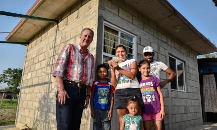 Ayuntamiento de Tuxpan Inaugura Obras en la Ampliación Luis Donaldo Colosio y en Santiago de la Peña