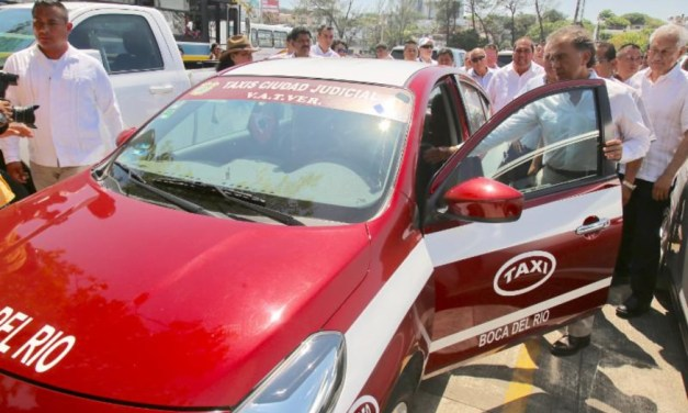 """""""Se regularizará el transporte público para que el servicio sea mejor, seguro y eficiente"""": Gobernador Yunes"""