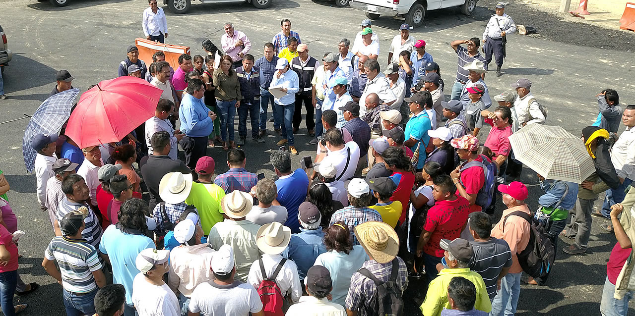 Toño Aguilar da solución pacífica al conflicto entre ejidatarios y la SCT