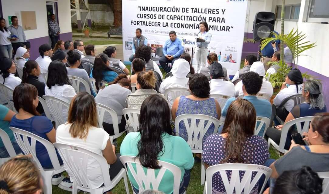 Inaugura el DIF Municipal sus Cursos para apoyar la Economía de las Familias Tuxpeñas