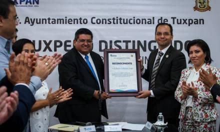 Cabildo reconoce a Ramón Castañeda como tuxpeño distinguido