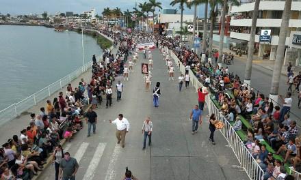 Impresionante primer desfile de carnaval