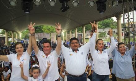 La victoria de los candidatos de la coalición PAN-PRD-MC será contundente: Arturo Esquitín