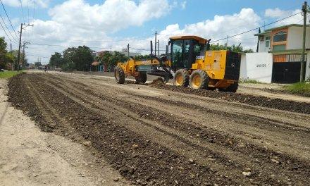 Continúan los Trabajos de Carpeta Asfáltica en la López Mateos