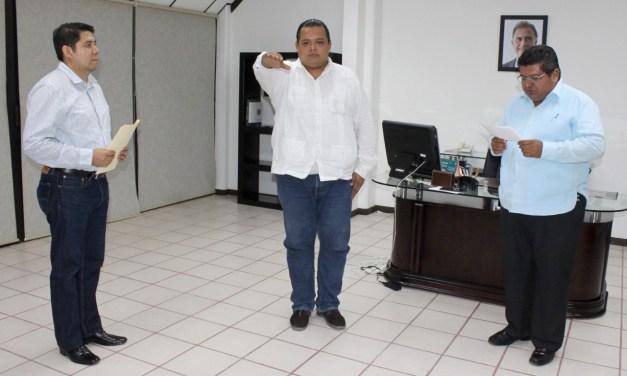 Alcalde le rinde protesta a nuevo director de Comercio