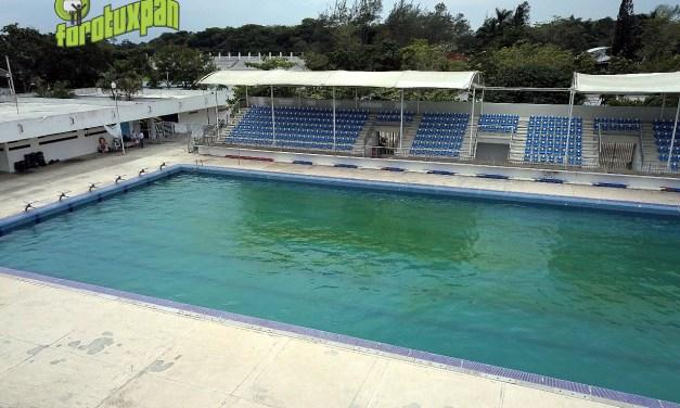 Instalaciones deportivas de Tuxpan deben ser públicas: Arturo Esquitín