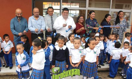 Inauguran sala de cantos y juegos en jardín de niños de Petropolis
