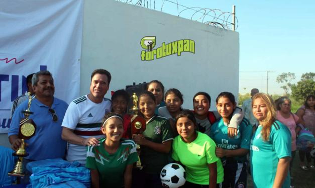 Impulso al deporte, fundamental para el desarrollo integral de jóvenes: Arturo Esquitín