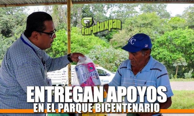 Entregan apoyos en el Parque Bicentenario