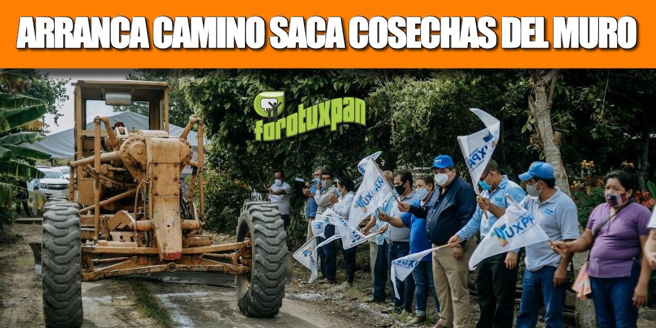 GOBIERNO DE TUXPAN APOYA A PRODUCTORES; ARRANCA CAMINO SACACOSECHAS EN EL MURO