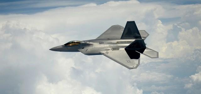 Lockheed Martin får to F-22 Raptor kontrakter