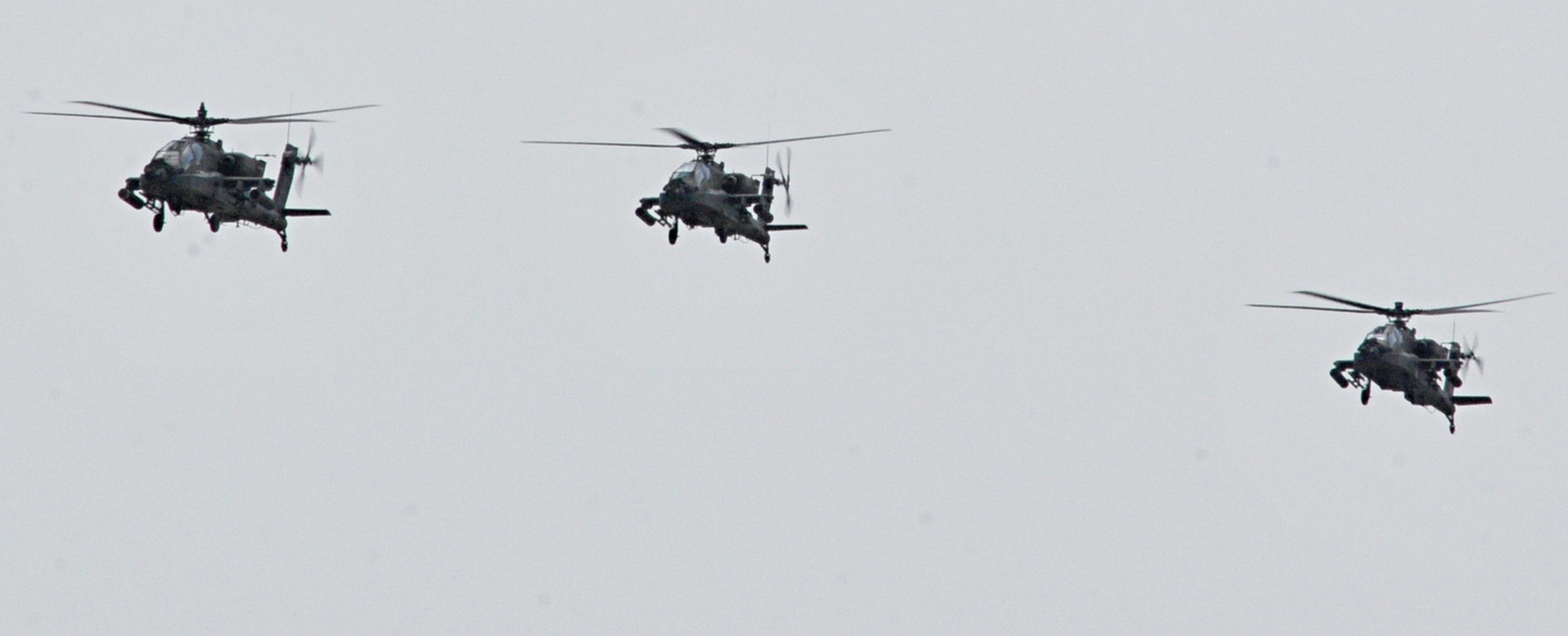 4CAB receives Apaches