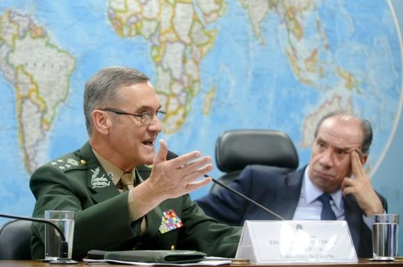 O comandante do Exército, o general Eduardo Villas Bôas