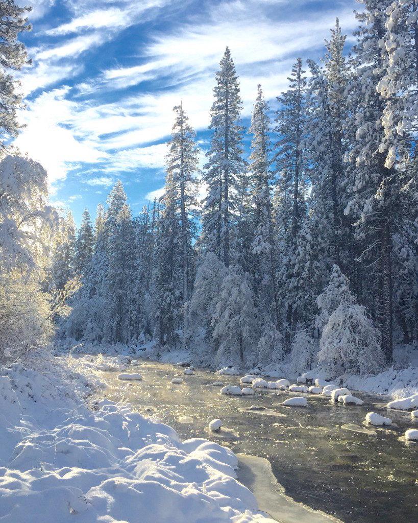 yosemite-winter-travelguide-1-819x1024