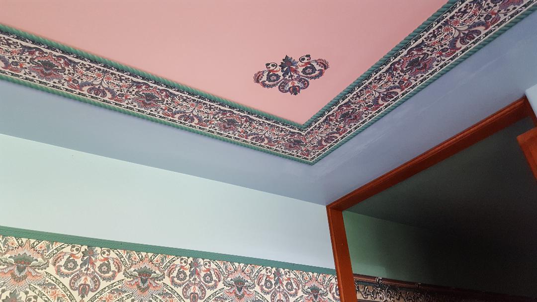 Creative Wallpaper Use