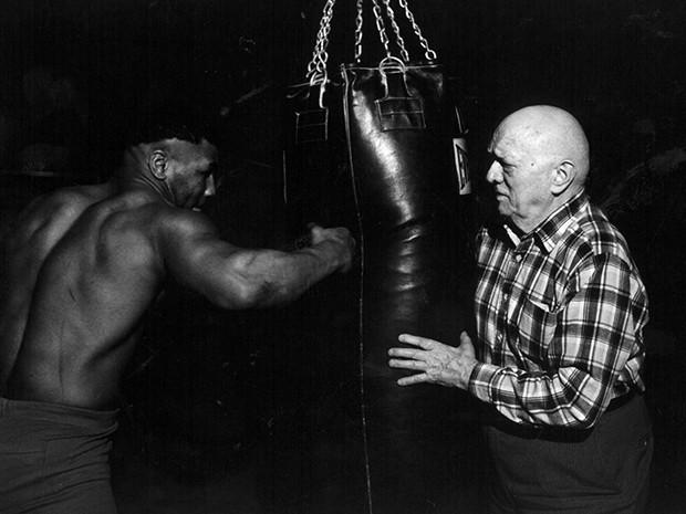 Routine und Diät für Boxer