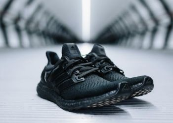 adidas-ultraboost-triple-black