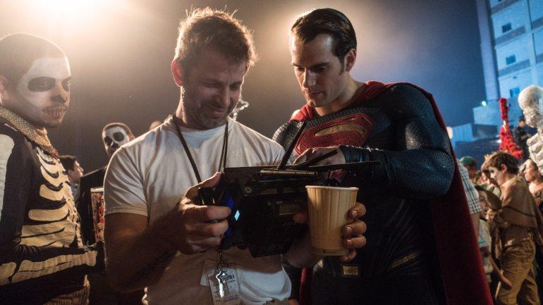 Zack Snyder Reveals Explosive Details Of The Original Justice League Vision