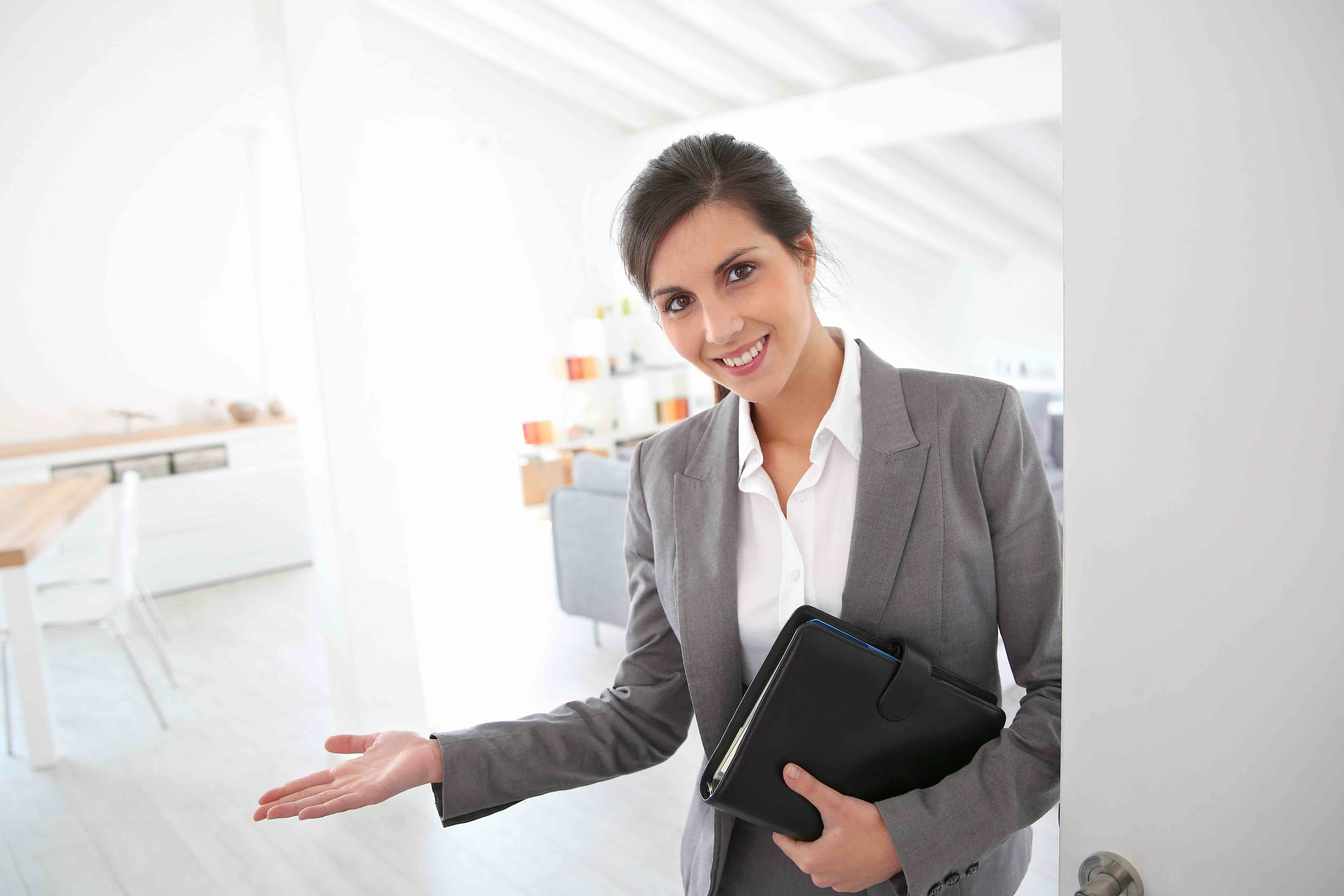 What A Good Real Estate Agent Can Do For Your Business