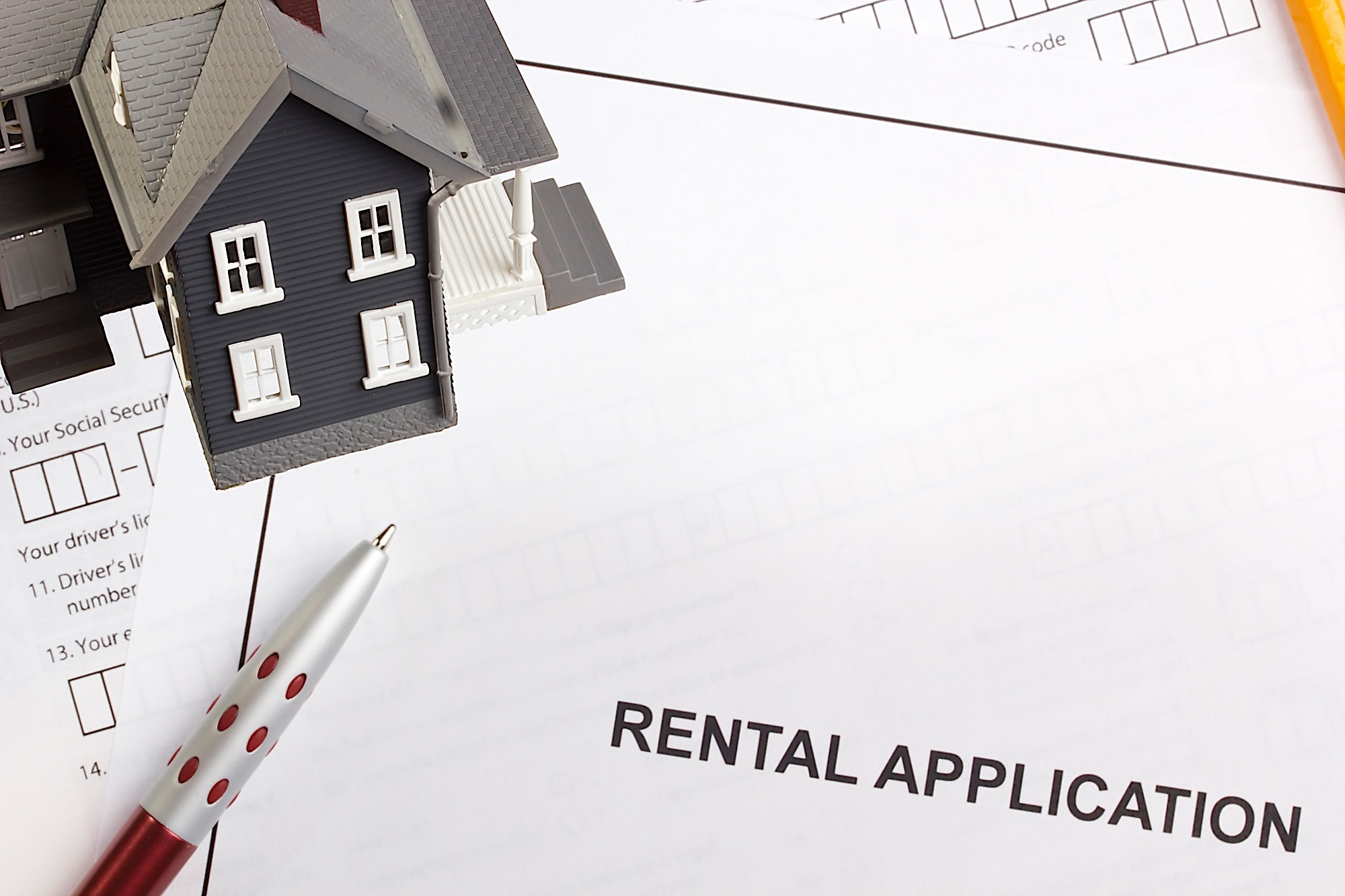 How To Evaluate Rental Applications: A Guide For Passive Income Investors