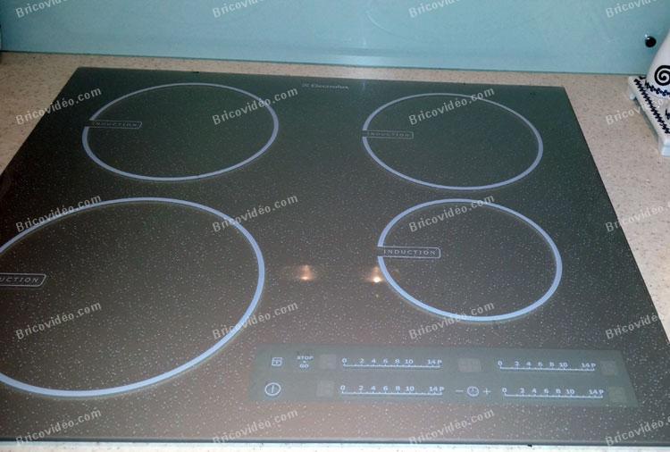 Bricovideo Depannage Electromenager Probleme Plaque A Induction Electrolux Ne S Allume Plus