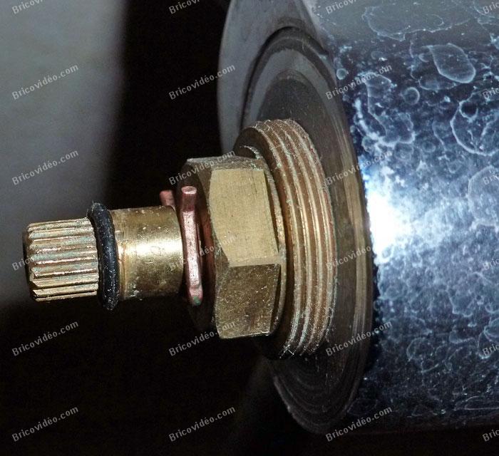 Rparation robinet de douche  Conseils Bricolage plomberie robinet salle de bains